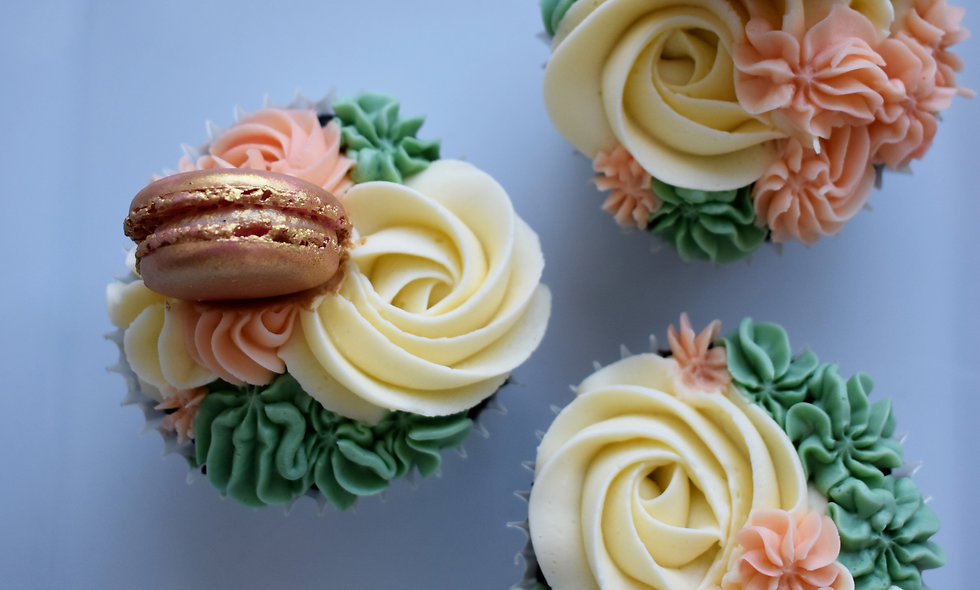 Beautiful Buttercream Cupcakes