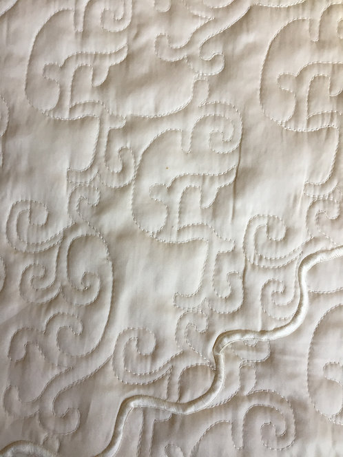 Set/3 Yves Delorme Triomphe Quilted Queen Coverlet and Shams / Ecru