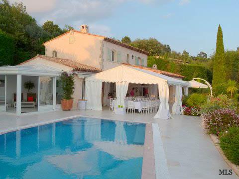 Marquee hire for private villa