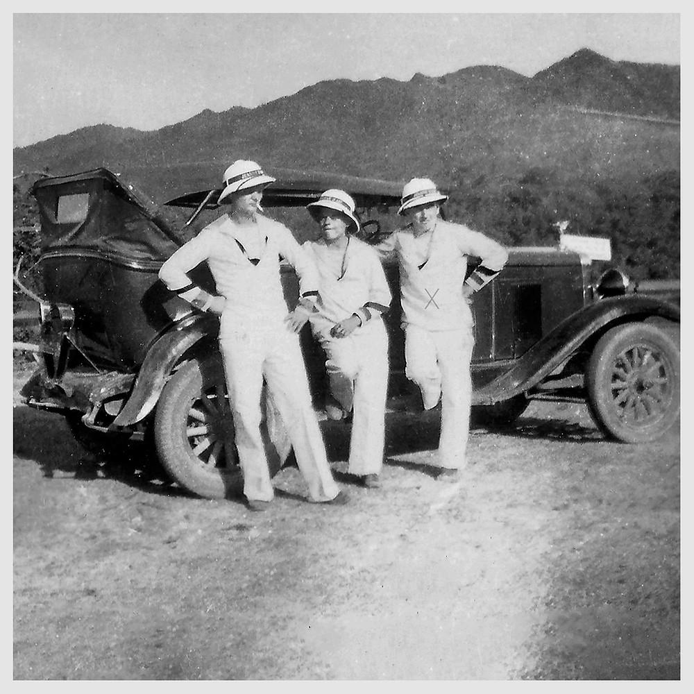 Vieille voiture, Californie, années 30, marins, colonies