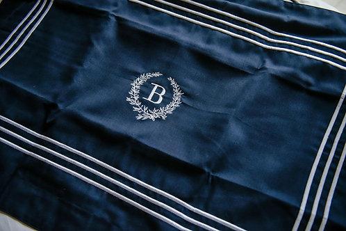 Monogrammed Tres Piña Linen Sham in Navy - B (Pair)