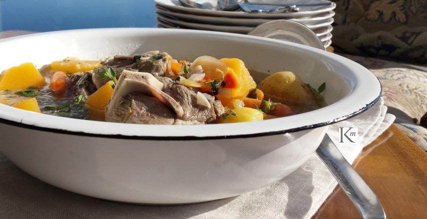 Hearty lamb meat & veggie soup!