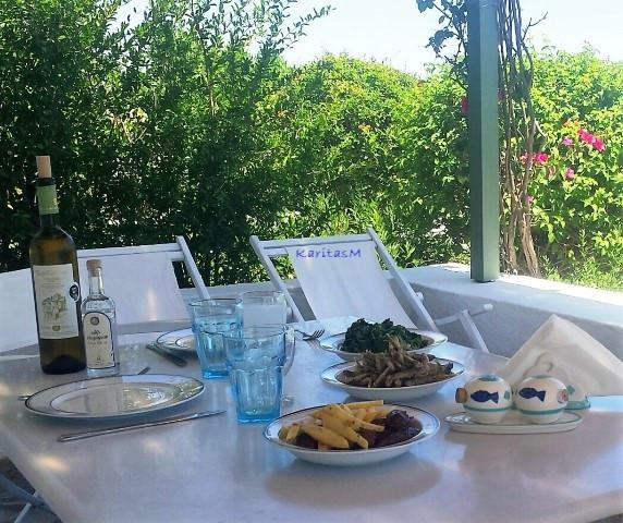 Lunch on Vernada
