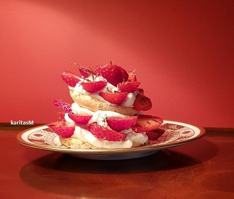 Almond Meringue and Strawberry Dessert!