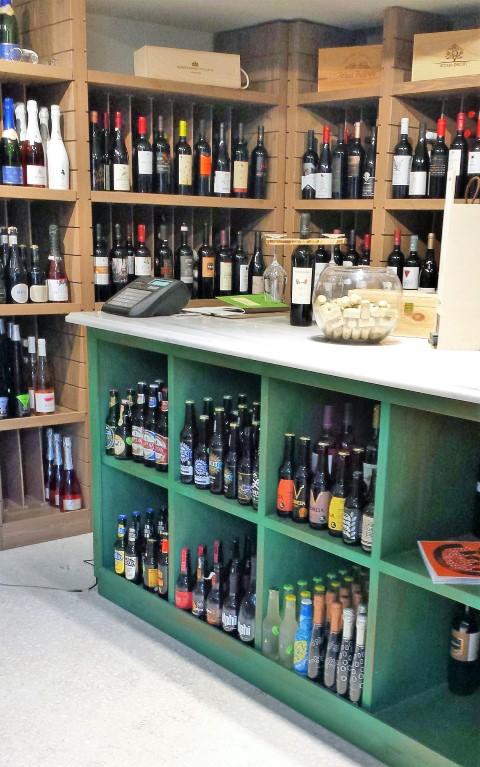 Yoleni's Wine Corner