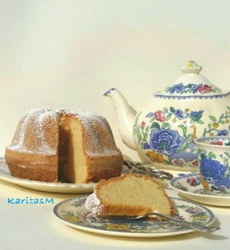 Granny's Pound Cake served with Tea!