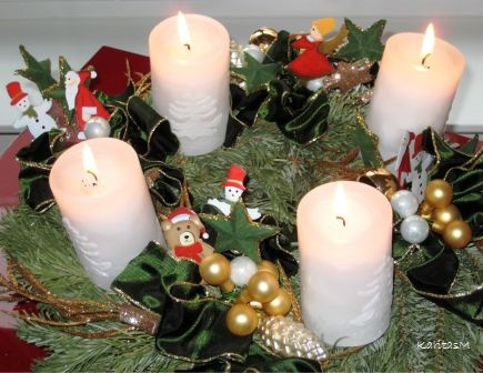 Advent Wreath with all 4 candles lit!