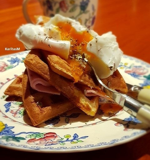 Mom's waffles with ham and poached egg, sprinkled with Icelandic mountain herbs salt