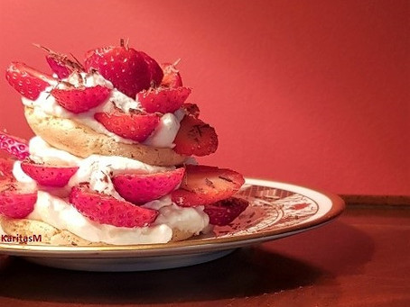 Almond Meringue & Strawberry Dessert!