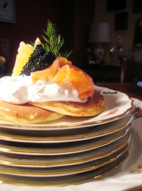 Blinis ready to be enjoyed with smoked salmon ++