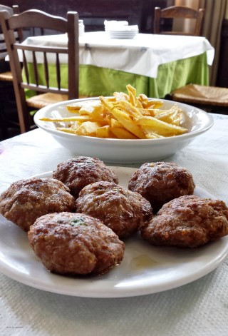 Keftedakia - Greek meat patties with fries