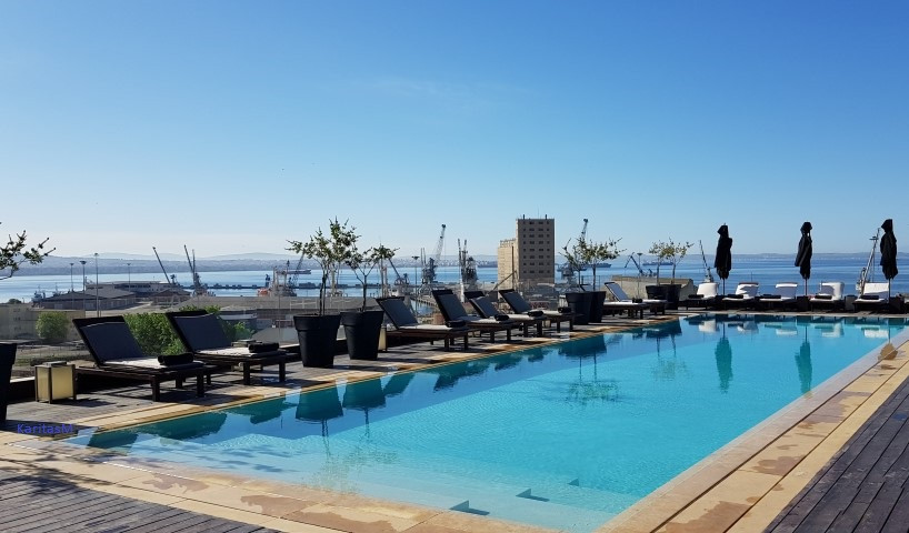 The Met's Hotel Rooftop pool with view!