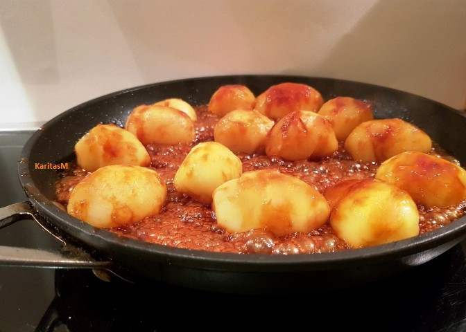 Caramelized potatoes - in pan
