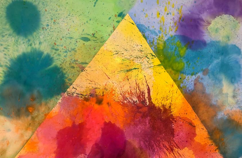 Pyramid, 52 x 70
