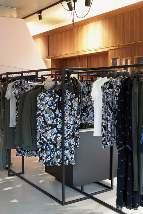 lala-berlin-boutique-x-joan-tan_by-jonas-huckstorf_4.jpeg
