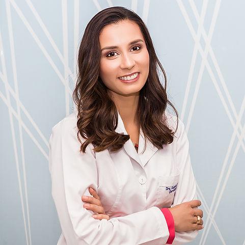 Dra. Angela P. Pedraza, médica dermatóloga especialista en dermatología general, estética y láser
