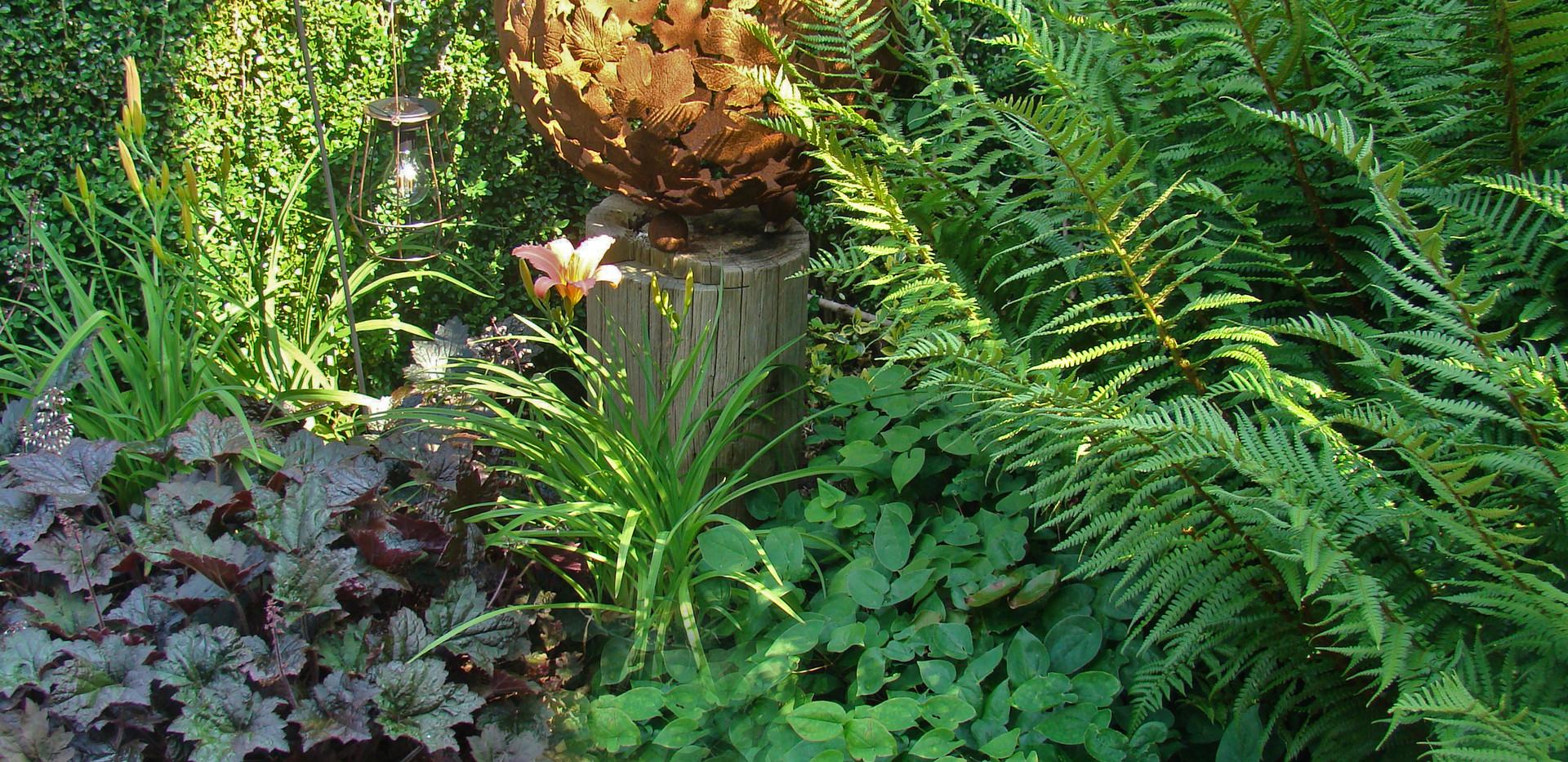 combining sculpture & planting