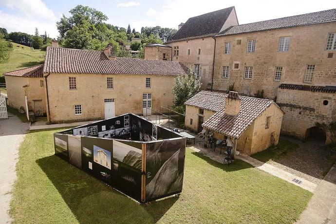 D'ici, ça ne parait pas si loin à Cadouin et au Buisson de Cadouin (Dordogne)