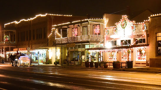 Holiday Marriage Proposals in Fredericksburg Texas