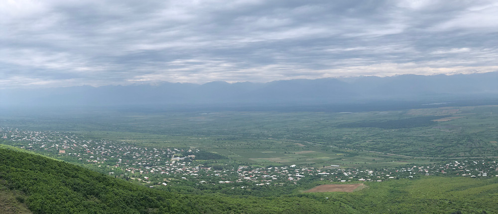 The Alazani Valley is located in the heart of Kakheti