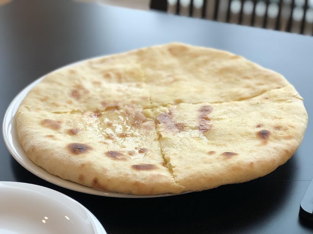 Imeruli khachapuri იმერული ხაჭაპური