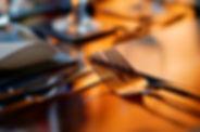 mesa-cubiertos-tenedores_edited.jpg