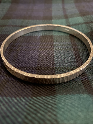 Large 6mm  lined hammered textured Bangle