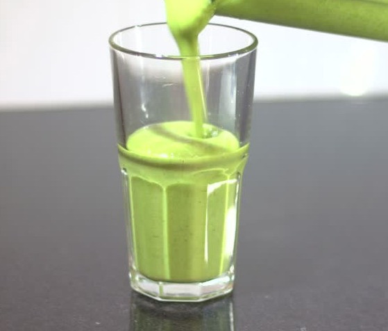 Frosty Green Apple Smoothie