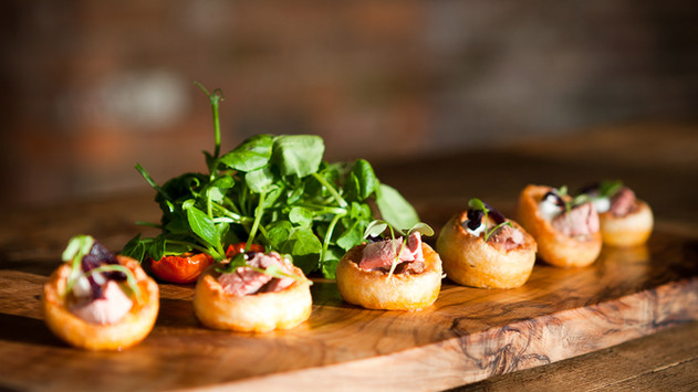 Mini Yorkshire Pudding with Roast Beef