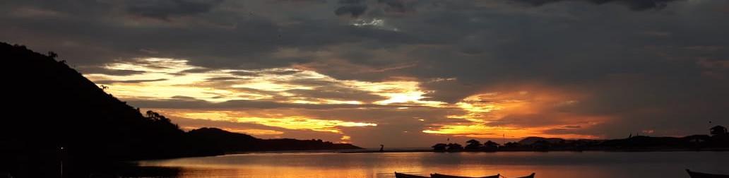 O nascer do sol a partir do Rio da Madre. Foto: Acervo da Pousada  .