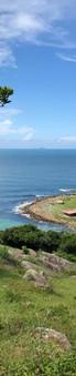 Vista da praia do Maço a partir do morro que vai até a praia da Pinheira. Um passeio que vale muito a pena fazer! Foto: Acervo da Pousada  .