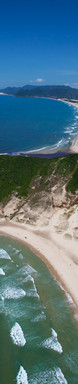 Vista aérea que mostra a incrível paisagem formada  por: Praia da Guarda, Costão e a Prainha.  Foto: Plínio Bordin.  .