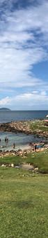"""A praia do Maço é muito visitada pelos turistas que frequentam a Guarda do Embaú, também conhecida como """"Vale da Utopia"""", apresenta paisagens encantadoras.  Foto: Acervo da Pousada  ,"""