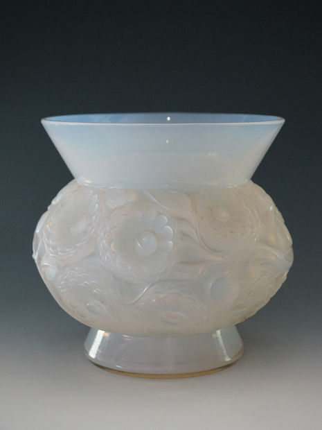 ラリック 花瓶「Soucis」