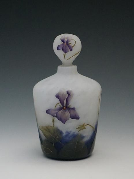 スミレ文香水瓶