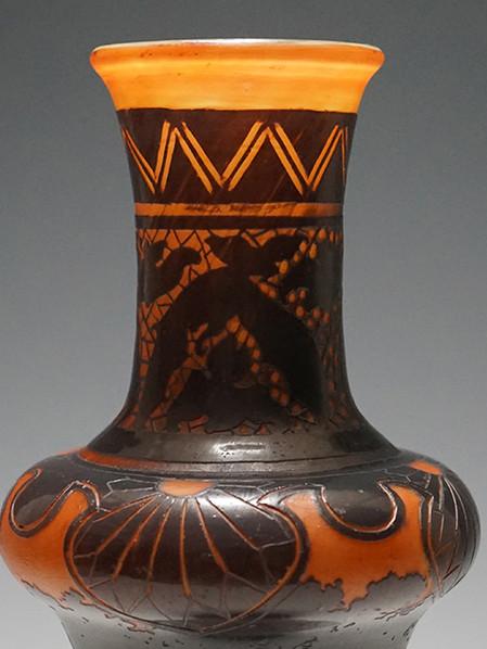 ガレ コウモリと風景文花瓶部分1HP.jpg