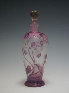 桜草文香水瓶