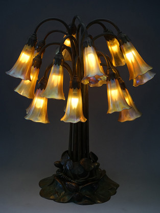 L.C.ティファニー 18灯リリーランプ