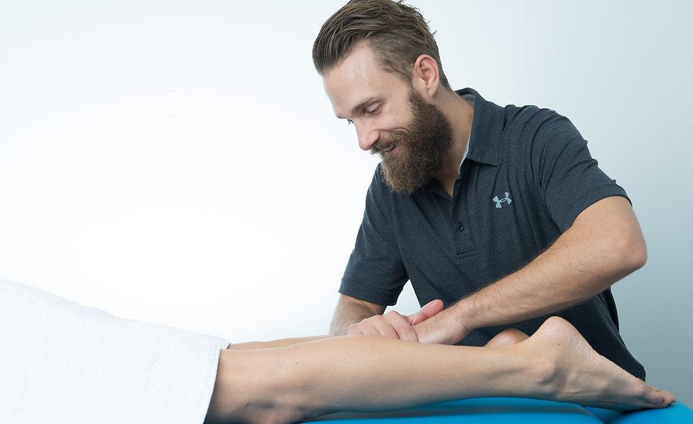 Remedial massage of the leg - Adam Gadd