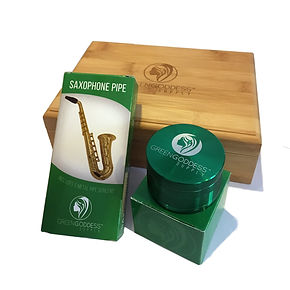 "Green goddess. Starter pack combo #1. Bamboo storage box. Deluxe saxophone pipe. 2.5"" premium Aluminum 4-part grinder."