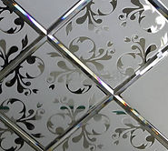 Зеркальная плитка с пескоструйным рисунком