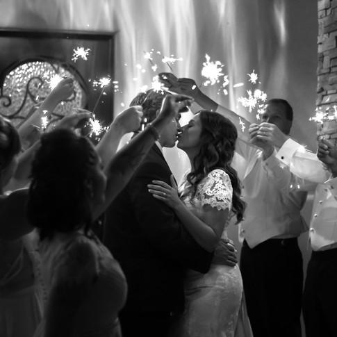 tucson-wedding-photohraphers-kiss-under-sparklers