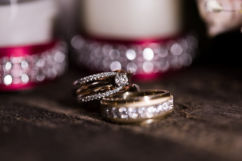 tucson wedding photographer details rings close diamonds wood macro