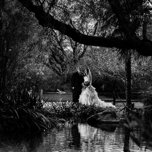 Tucson-wedding-Photographer-couple-pond-reflection
