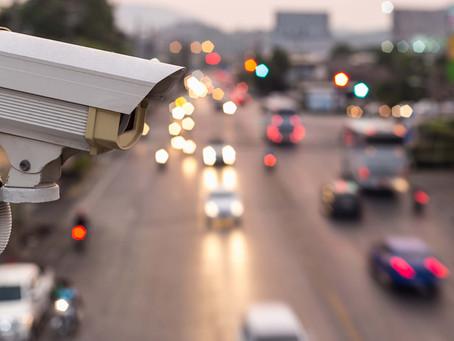 В момент нарушения правил дорожного движения за рулем сидел не владелец машины.