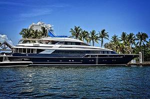 yacht-1604478_960_720.jpg