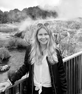Amanda Öberg_edited.png