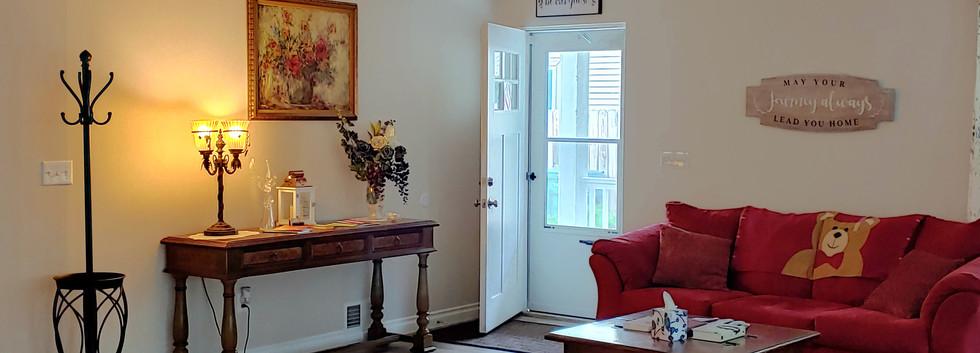 GuestHouse_Entryway.jpg