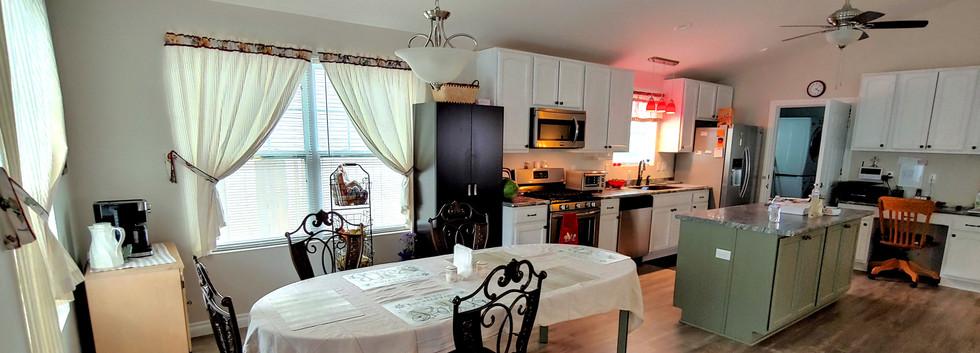 GuestHouse_Kitchen.jpg