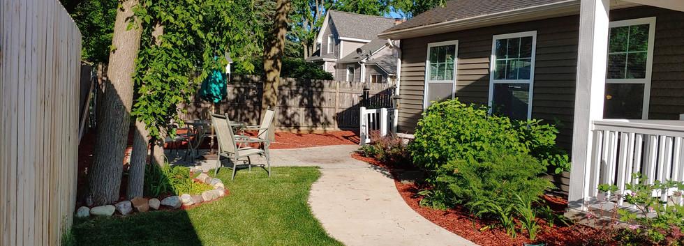 GuestHouse_Outdoor.jpg